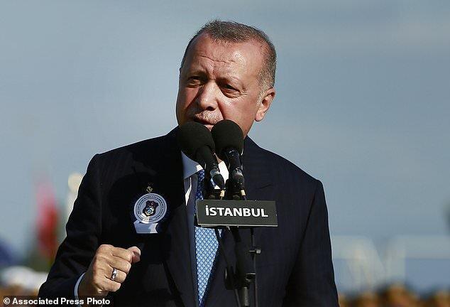 اردوغان: ارسال30 هزار کامیون سلاح به کردها قابل اغماض نیست