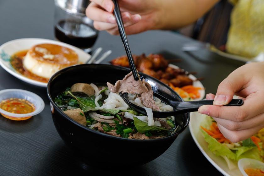 بهترین غذاهای ارزان کوالالامپور را کجا می توان امتحان کرد؟