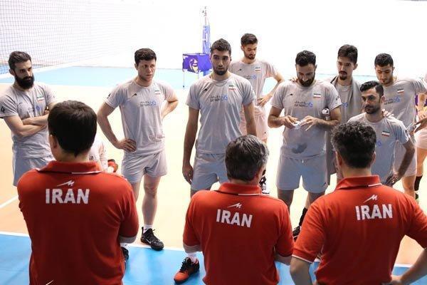 تمرین ملی پوشان ایران در غیاب غفور، شهرام محمودی آماده نشان داد
