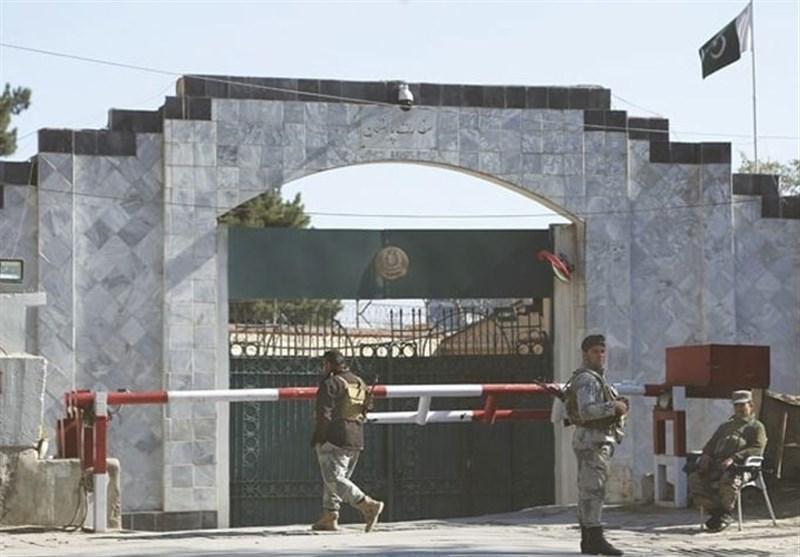 ادامه بازپرسی های خیابانی از دیپلمات های پاکستانی در خاک افغانستان
