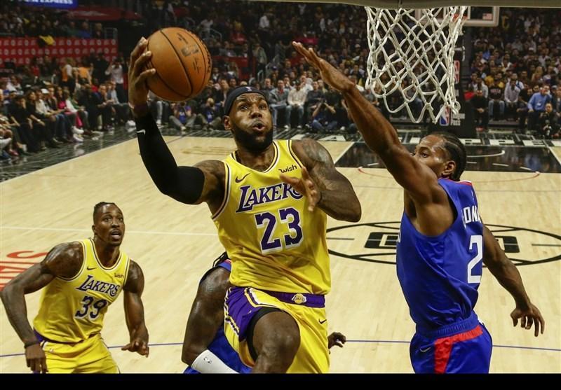 لیگ NBA، پایان پیروزی های متوالی لیکرز، شکست تاندر در خانه