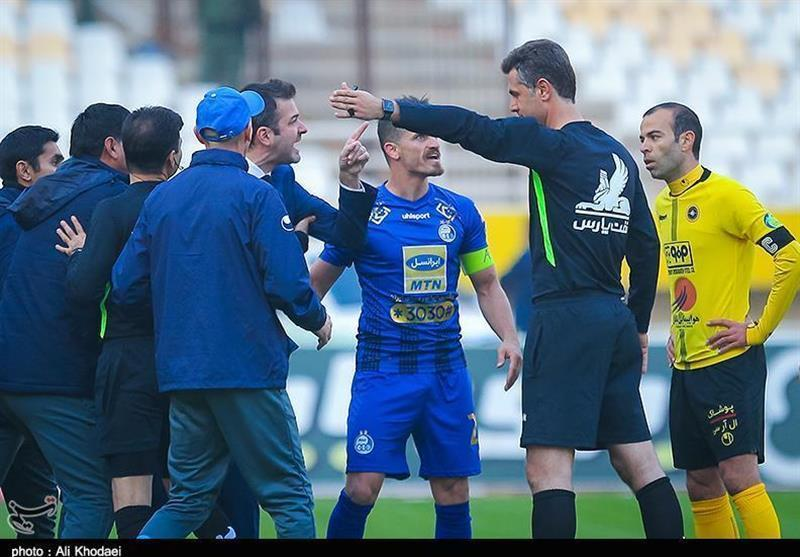 باشگاه استقلال رسماً از زاهدی فرد شکایت کرد