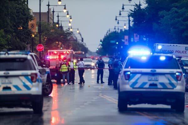 جنون مسلحانه در آمریکا 14 مجروح به جای گذاشت
