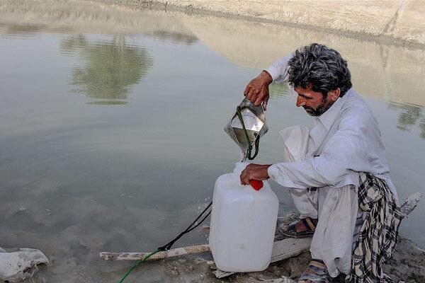 پناه به هوتک ها در نبود آب لوله کشی ، آبفای سیستان و بلوچستان: مشکل آبرسانی نداریم