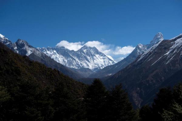 قله اورست بلندتر می گردد؟!