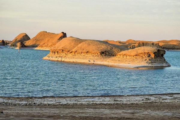 دریاچه ای با عمق 7 در گرم ترین نقطه زمین