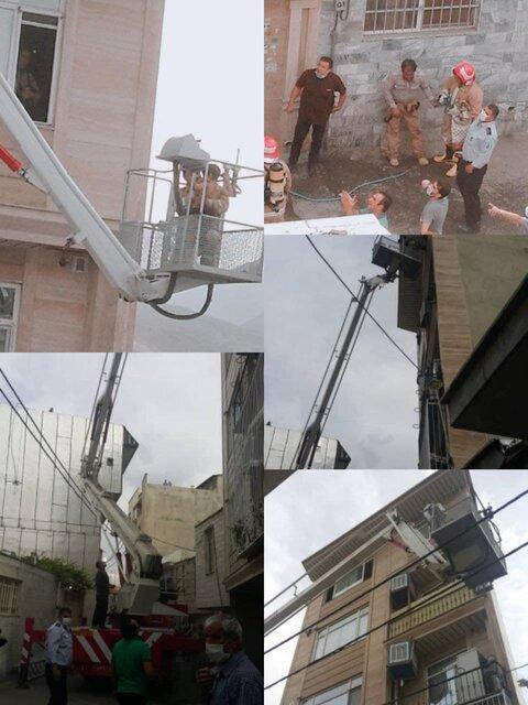مصدومیت دو آتش نشان در مهار حریق منزل مسکونی